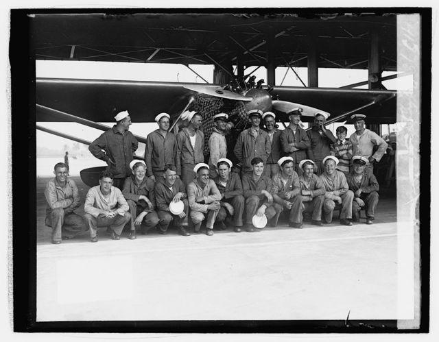Bowling [i.e., Bolling] Field, mechanics who assembled the Spirit of St.Louis, 6/11/27