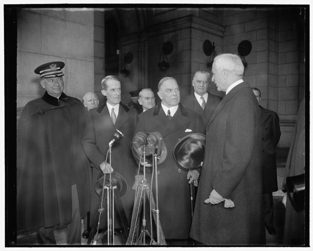 Canadian Prime Minister arrives for signing of Canadian-American treaty. Washington, D.C., Nov. 17. Secretary of State Cordell Hull greeted MacKenzie King, Prime Minister of Canada, upon his arrival in Washington today for the signing of the U.S.-Canada Trade Treaty. In the photograph, left to right - Col. E.M. Watson, White House military aide - Presidential Secretary Ary Marvin McIntyre - Minister MacKenzie King, and Secretary Hull