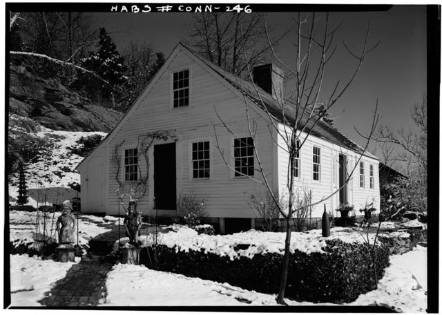 Captain Richard Charlton Cottage, 12 Mediterranean Lane, Norwichtown, New London County, CT