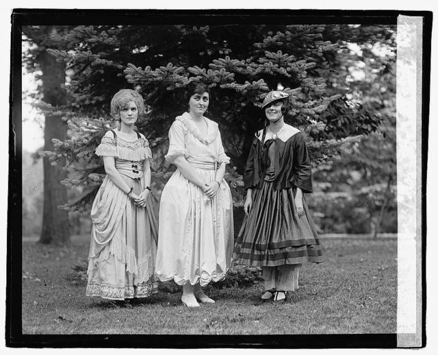 [Carnival of Woman's Welfare Ass.], 10/5/22