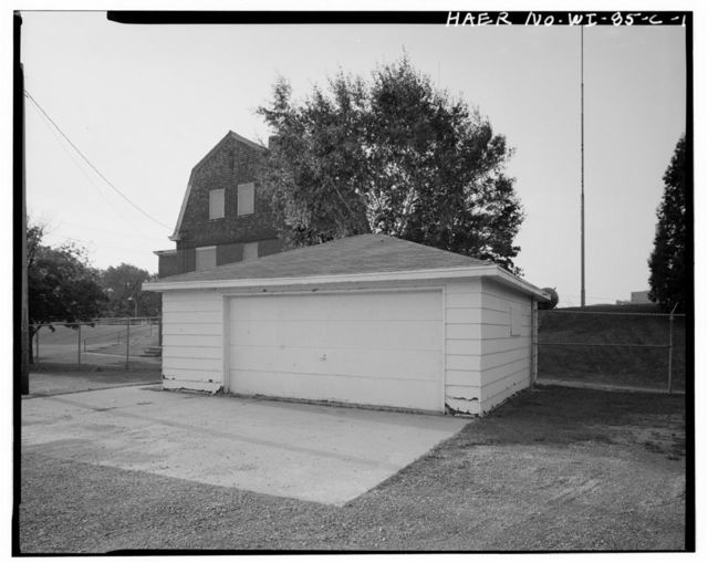 Cedars Lock & Dam, Garage, Approximately 35 feet Northwest of Lockkeeper's Residence, Little Chute, Outagamie County, WI