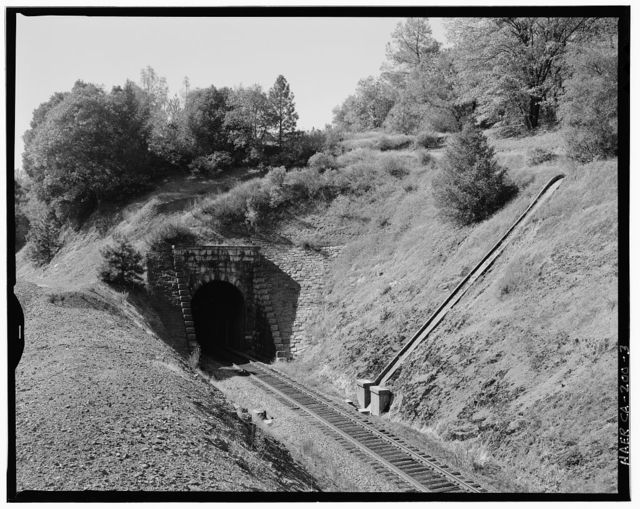 Central Pacific Transcontinental Railroad, Tunnel No. 24, Milepost 132.9, Applegate, Placer County, CA