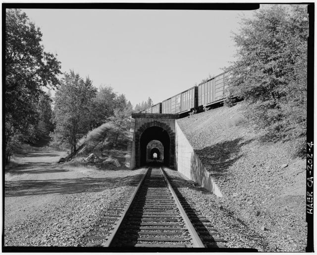 Central Pacific Transcontinental Railroad, Tunnel No. 26, Milepost 133.29, Applegate, Placer County, CA