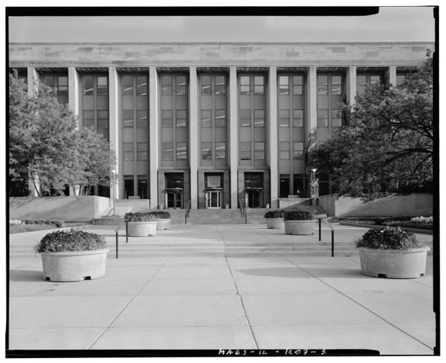 Chicago Park District Administration Building, 425 East McFetridge Drive, Chicago, Cook County, IL