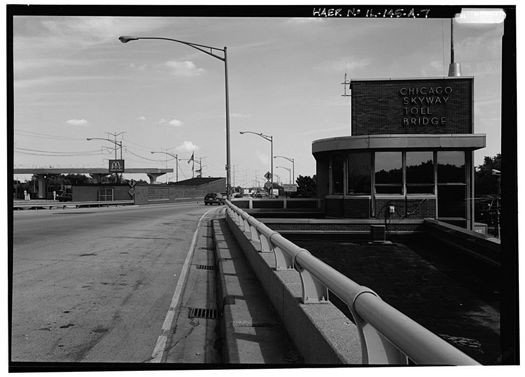 Chicago Skyway Toll Bridge, Toll Plaza & Service Building