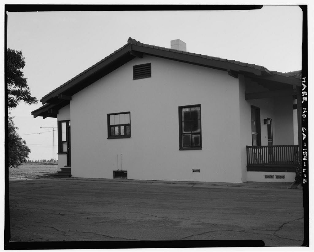 Chollas Heights Naval Radio Transmitting Facility, Married Operator's Quarters, 6410 Zero Road, San Diego, San Diego County, CA