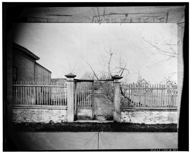 Colonel Isaac Royal House, Forecourt Fence, Main Street, Medford, Middlesex County, MA