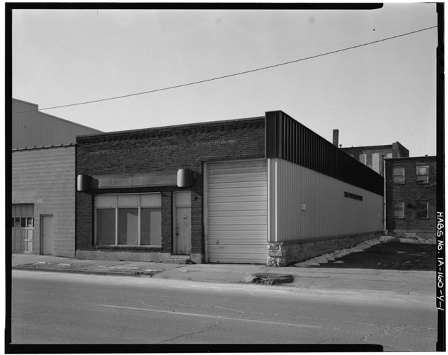 Commercial & Industrial Buildings, 465 White Street, Dubuque, Dubuque County, IA