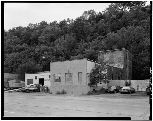 Commercial & Industrial Buildings, Ambrose Gleed Malthouse, 75 South Locust Street, Dubuque, Dubuque County, IA