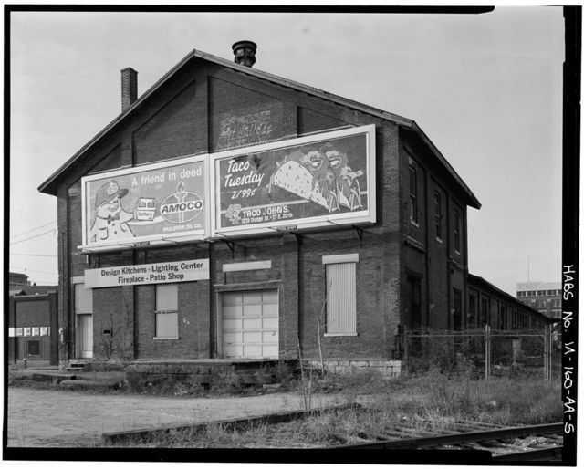 Commercial & Industrial Buildings, Chicago, Milwaukee & St. Paul Railroad Freight Depot, Sixth & White Streets, Dubuque, Dubuque County, IA