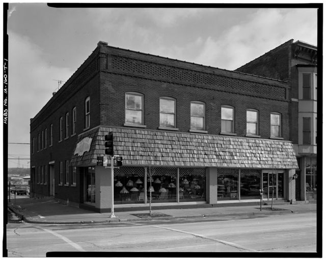 Commercial & Industrial Buildings, Fluckiger Motor Company Showroom, 484 Central Avenue, Dubuque, Dubuque County, IA