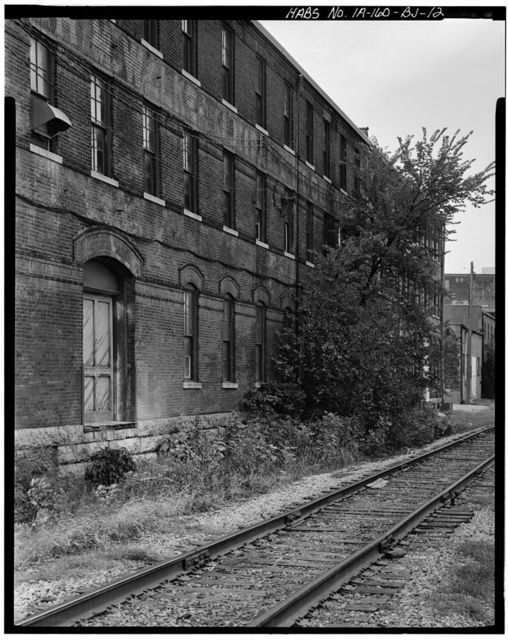 Commercial & Industrial Buildings, M. M. Walker Company, Warehouse, 40 Main Street, Dubuque, Dubuque County, IA