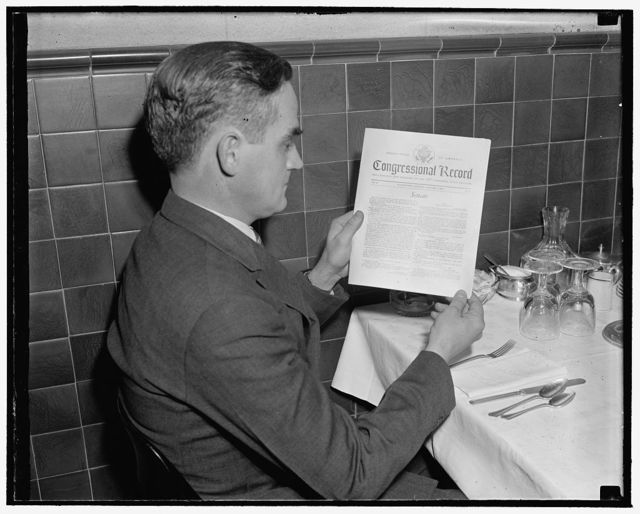 Congressional record has face lifted. Washington, D.C., Jan. 4. The first copy of the Congressional record for the 76th session came off the presses today with a new face. Rep. Joseph W. Byrns, Jr., examines a copy of the Congressman's 'bible' which will henceforth carry the United States Seal on the front page, 1/4/39
