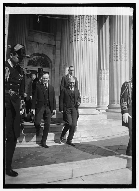 Coolidge & Judge John Barton Payne at Mem. Cont. Hall for Red Cross Convention, 10/6/24