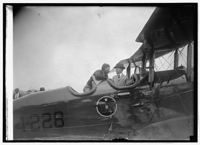 Coolidge inspecting world flight plane at Bowling Field [i.e., Bolling Field, Washington, D.C], 9/9/24