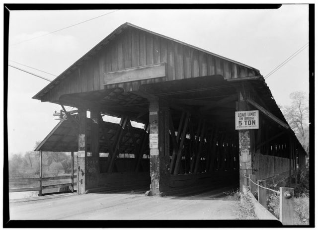 Covered Bridge, Spanning Mahoning River, Newton Falls, Trumbull County, OH