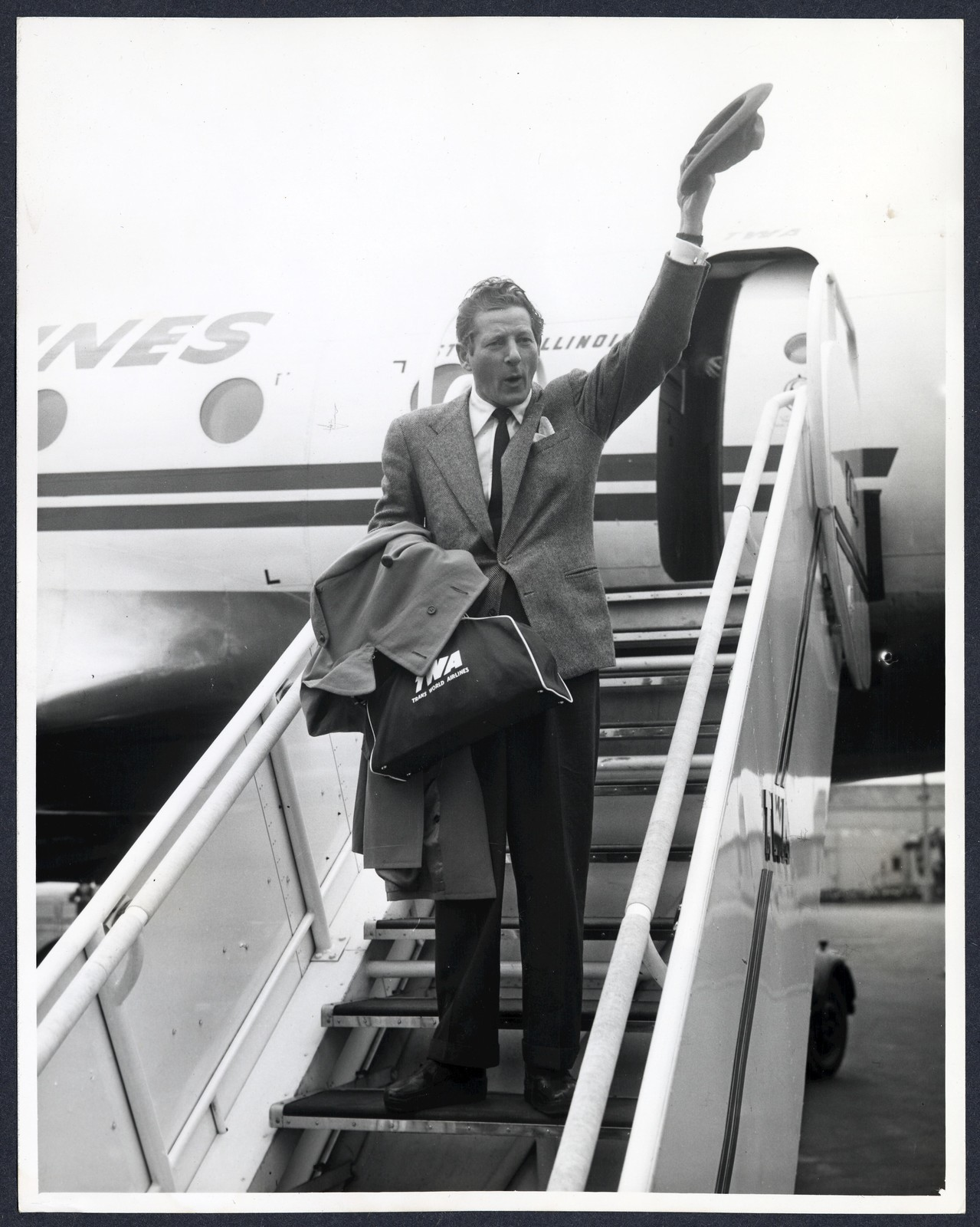 [ Danny Kaye arriving at London Airpport 2]