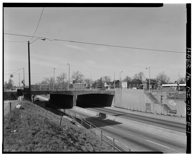 Davison Freeway, Woodward Avenue Bridge, Spanning Davison Freeway, Highland Park, Wayne County, MI
