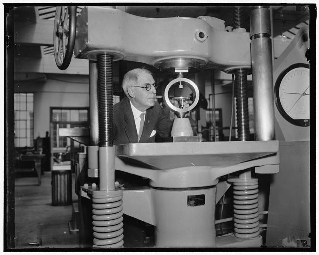 Device for testing testers. Washington, D.C., May 25. Herbert L. Whittemore, Chief Justice of the Engineering Mechanics Sections, U.S. Bureau of Standards, has been awarded the Edward Longstreth medal for his work in developing this device for testing the machines which in turn test construction materials. The medal is awarded annually by the Franklin Institute, 5/25/37