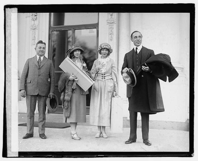 Dorothy & Lillian Gish, D.W. Griffith, 3/27/22