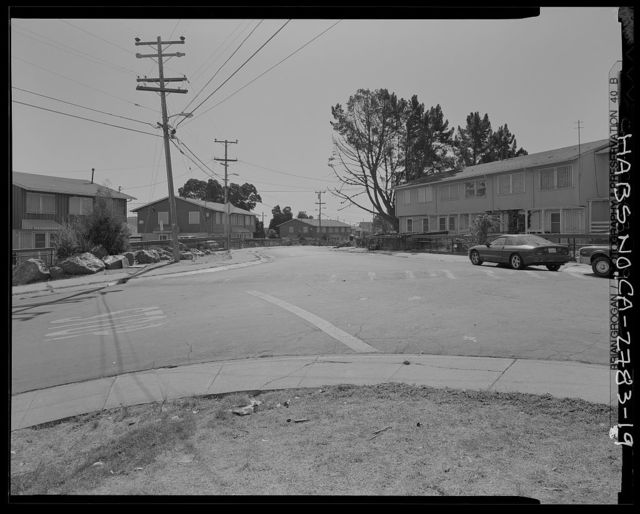 Easter Hill Village, Bordered by South Twenty-sixth Street, South Twenty-eighth Street, Hinkley Avenue, Foothill Avenue & Corto Square, Richmond, Contra Costa County, CA