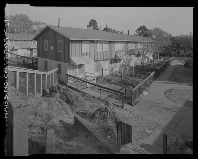 Easter Hill Village, Building No. 10, North side of Hinkley Avenue, west of South Twenty-Sixth Street, Richmond, Contra Costa County, CA