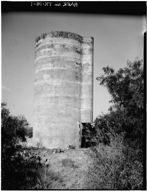 Elm Creek Silo, 2.9 miles Southeast of Leaday Townsite, Voss, Coleman County, TX