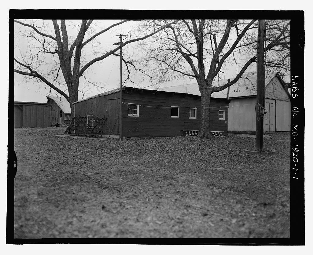 Erwin Richterkessing Farm, Shed, 4540 I-70 North Service Road, Saint Peters, St. Charles County, MO