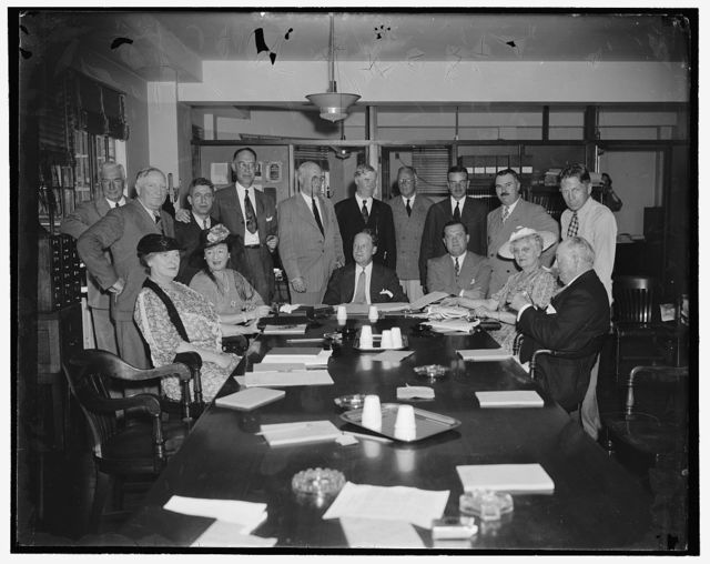 Executive meeting of the Republican National Committee. Washington, D.C., June 27. The Republican National Committee met today in executive session for the first time since Congress closed to map plans for the coming elections, this is the first photograph made this year, 6/27/39