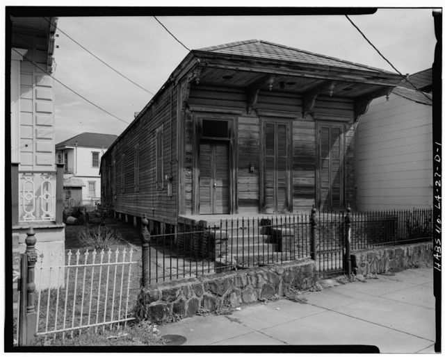 Faubourg Marigny District, 2519 Dauphine Street (House), New Orleans, Orleans Parish, LA