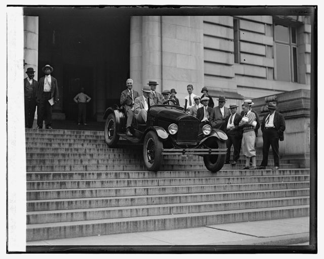 Ford Motor Co. Marine Car at Dist. Bldg., 9/14/26
