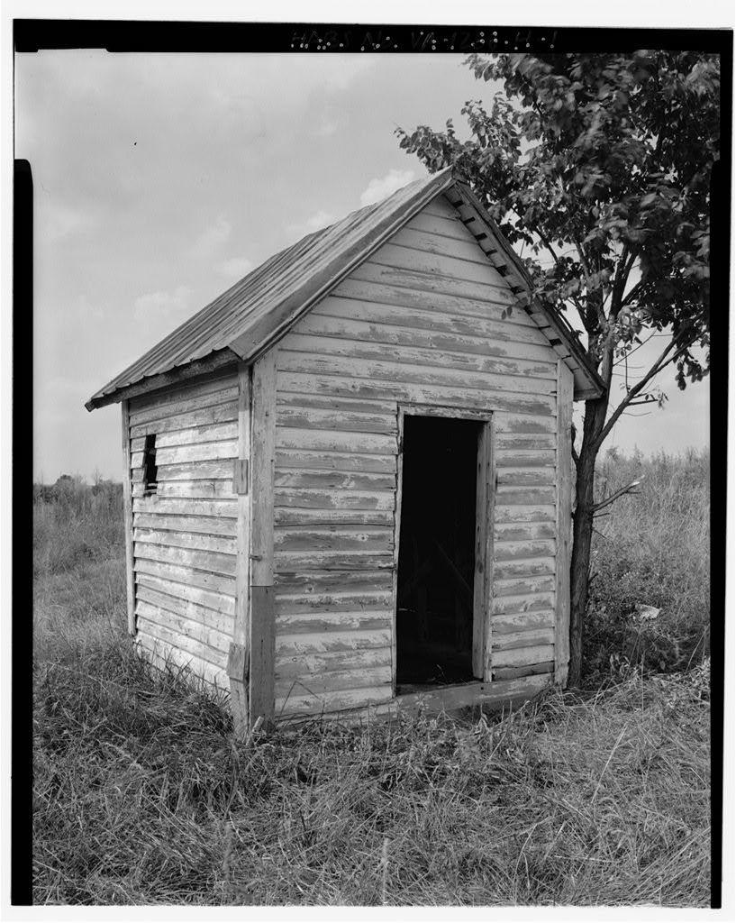 Fort Hill Farm, South Shed, West of Staunton (Roanoke) River between Turkey & Caesar's Runs, Clover, Halifax County, VA
