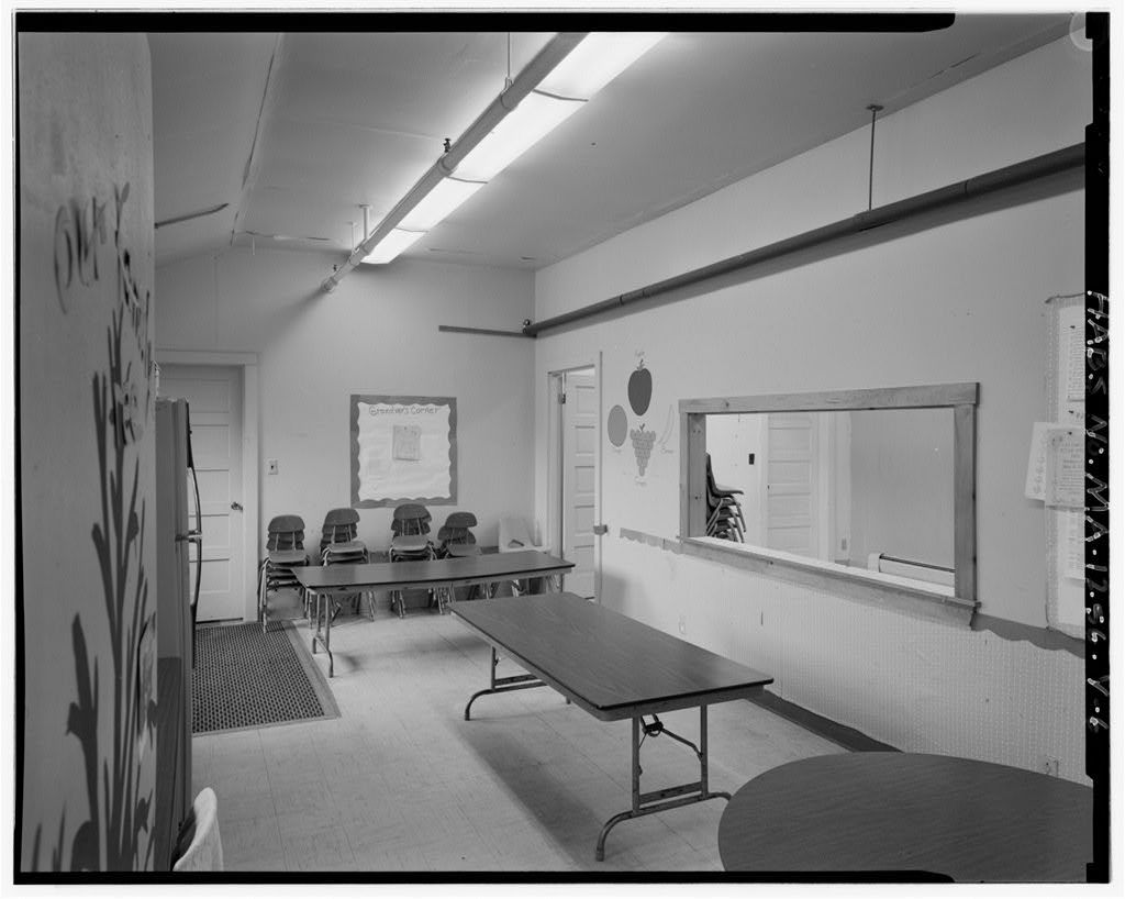 Fort Rodman Military Reservation, Ward Room, Along western edge of reservation, adjacent to Army property, New Bedford, Bristol County, MA