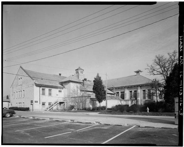 Fort Sheridan, Mess Hall & Heating Plant, Whistler Road, Lake Forest, Lake County, IL