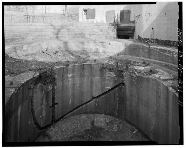 Fort Wadsworth Battery Romeyn B. Ayers, South side of Ayers Road, Staten Island, Rosebank, Richmond County, NY