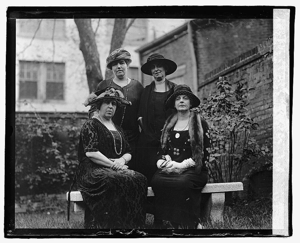 [Four unidentified women], 10/4/22