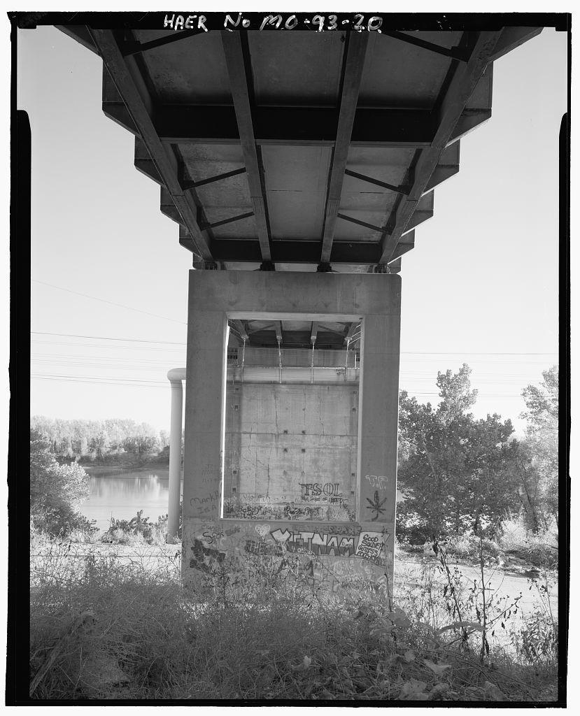 Francois Chouteau Bridge, Spanning Missouri River at Chouteau Traffic Way, Kansas City, Jackson County, MO