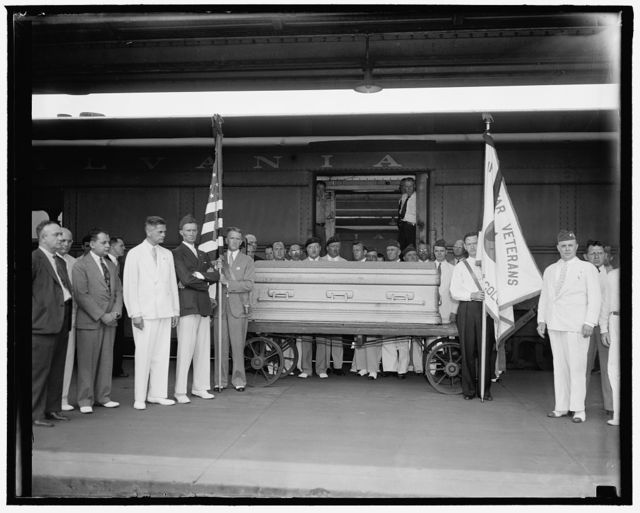 Funeral services for Congressman Connery. Washington, D.C. June 16. The casket of Rep. William Connery, Mass. shown at the Union Station today before entraining for Lynn, Mass. Where funeral services will be held, the Guard of Honor is composed of members of the Yankee Division Club of Washington of which Connery was a member.