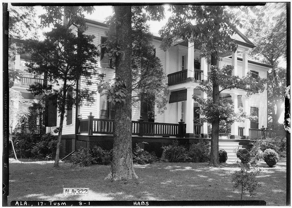 G. W. Carroll House, 801 East North Commons, Tuscumbia, Colbert County, AL