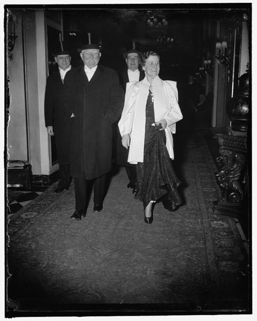 Garners leave for White House dinner. Washington, D.C., Jan. 6. Vice President and Mrs. John N. Garner leaving their apartment in the Washington Hotel tonight to attend the Vice President's dinner at the White House. They are accompanied by Rep. Lindsey Warren and Rep. Jerry Cooper, 1/6/38
