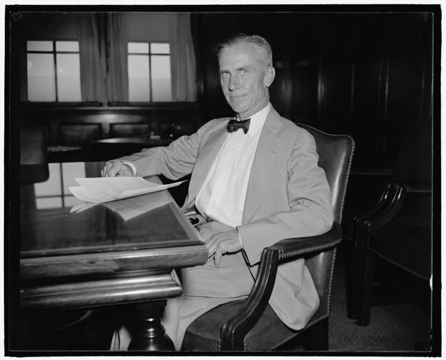 General Counsel of Civil Aeronautics Authority. Washington, D.C., Aug. 22. Charles Guthrie, recently named General Counsel of the new Civil Aeronautics Authority, photographed at his desk today shortly after taking the oath of office