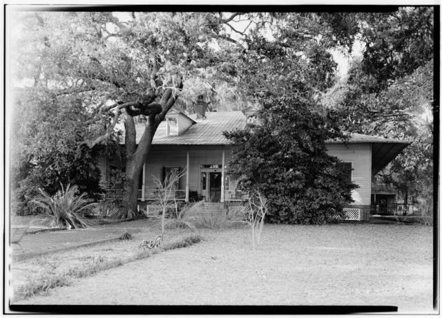 Gillis House, 513 East Beach Boulevard (moved to), Biloxi, Harrison County, MS