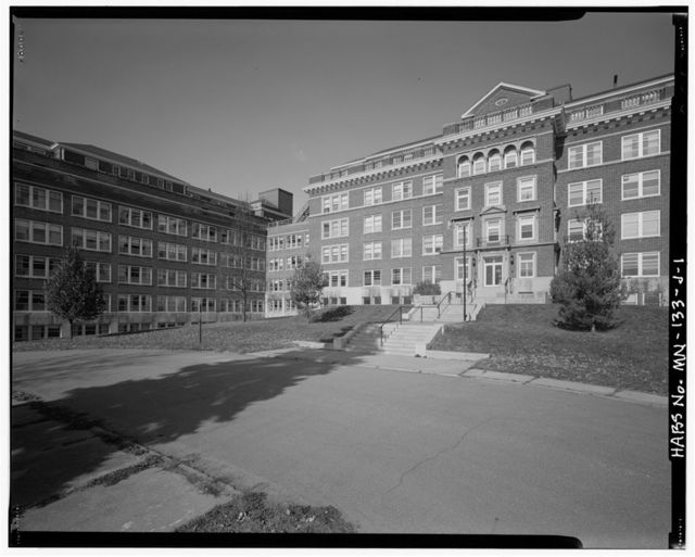 Glen Lake Sanatorium, Administration Building, County Road 4 at County Road 67, Minnetonka, Hennepin County, MN