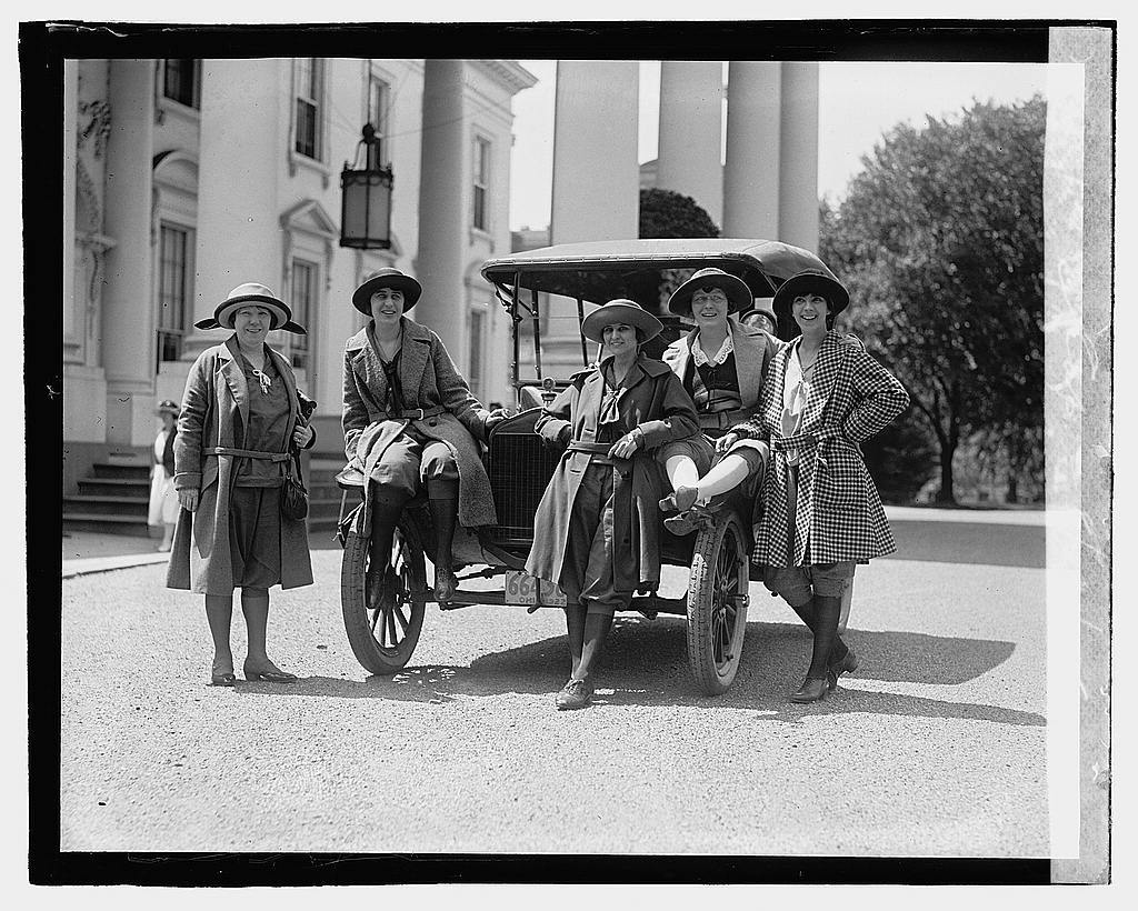 [Group of women and automobile outside White House], 8/23/22