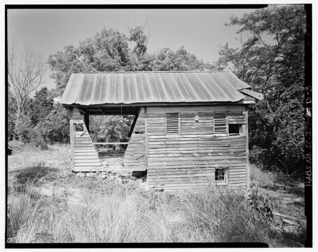 Harper-Featherstone Farm, Well & Smokehouse, .7 mile west of County Road 81, Lowndesville, Abbeville County, SC