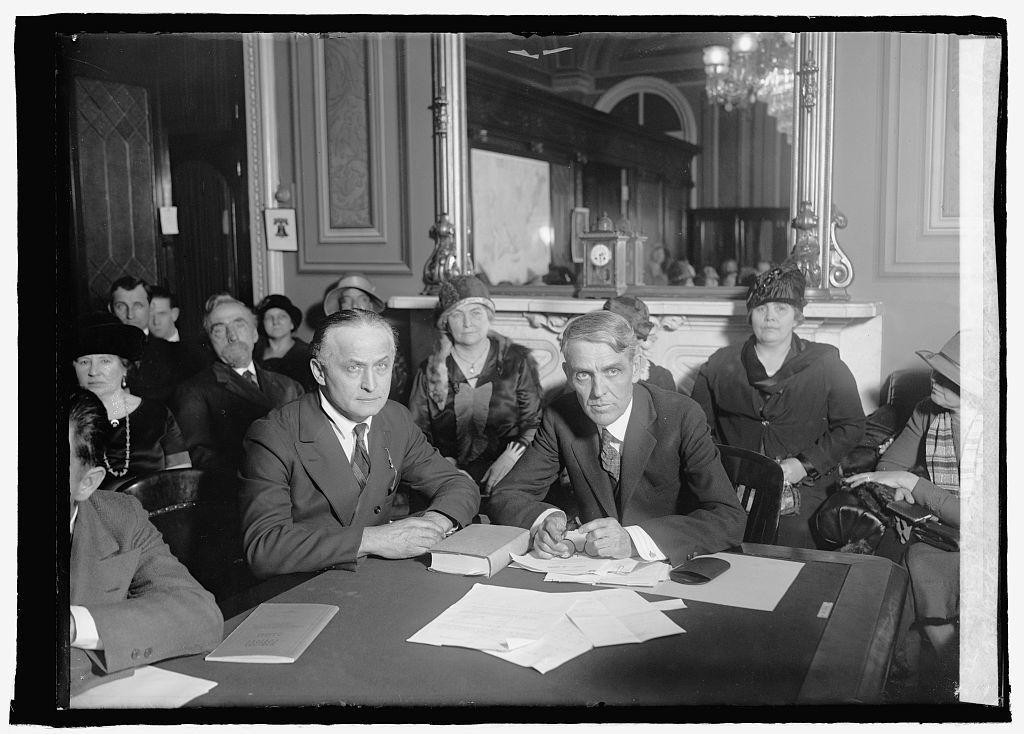 Harry Houdini & Senator Capper (Senate District Com.), 2/26/26