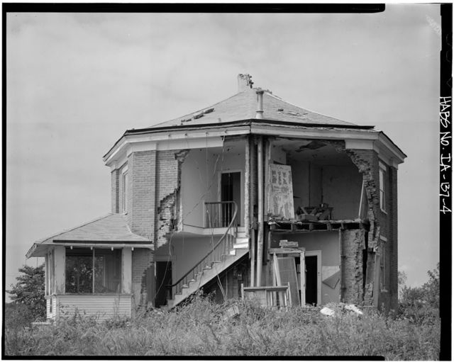 Henry L. Russell House, Route 6, West Grove Township, Bloomfield, Davis County, IA