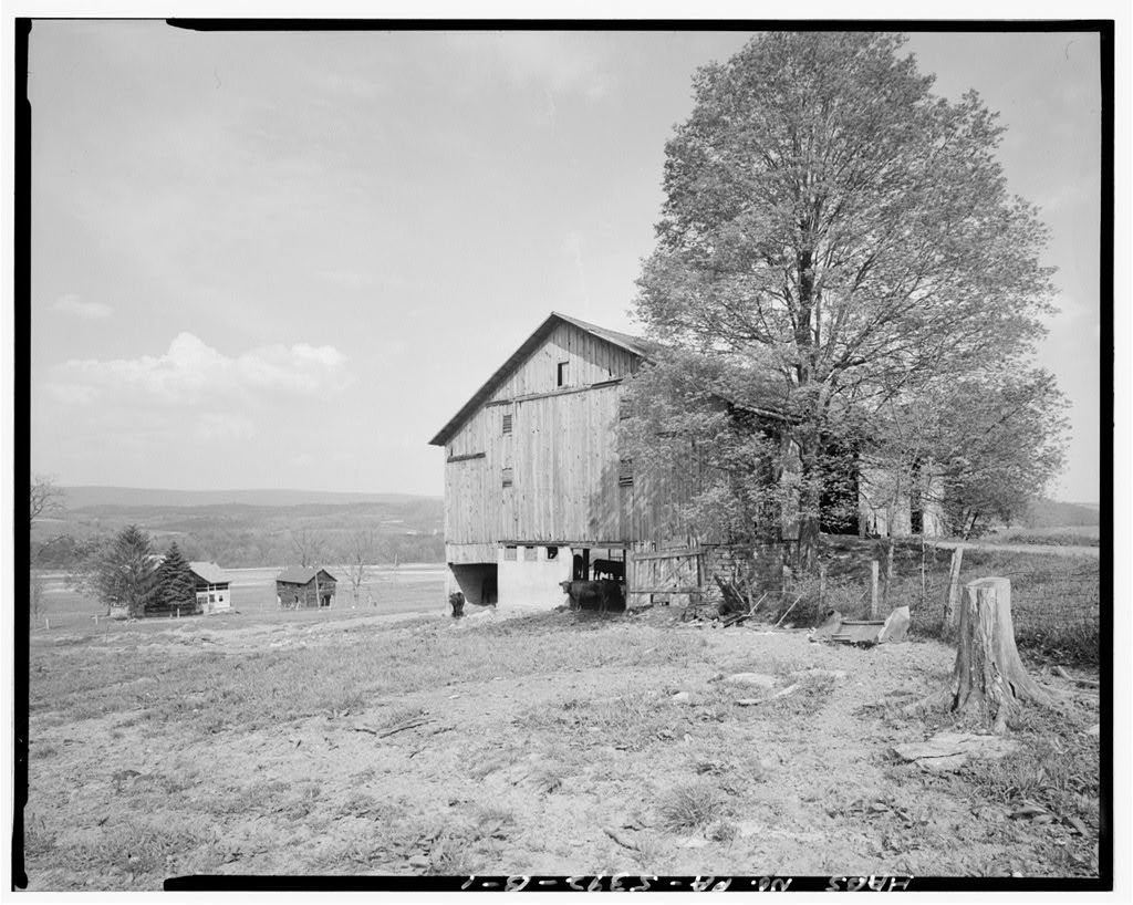 Hershberger Farm, Barn, .4 mile East of Business Route 220, .35 mile Southeast of Cessna, Cessna, Bedford County, PA
