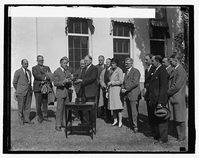 Hoover presenting Presidents Cup to Richard F. Hoyt, 10/10/29