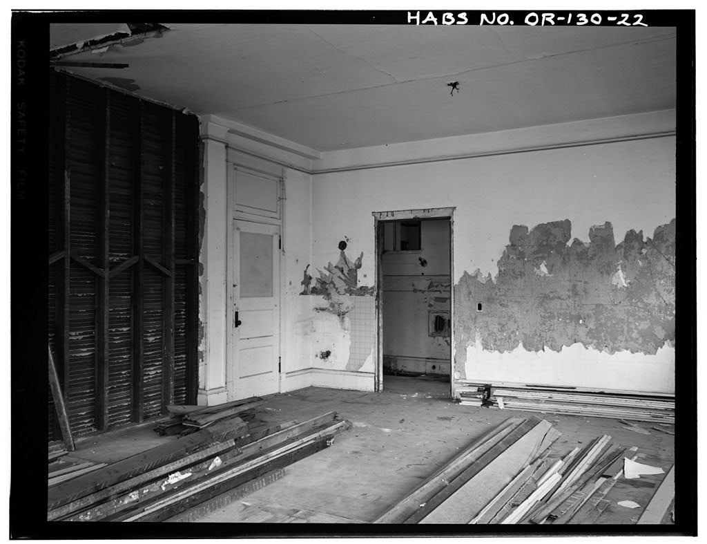 Hotel Lenox, 1100-1116 Southwest Third Street, Portland, Multnomah County, OR